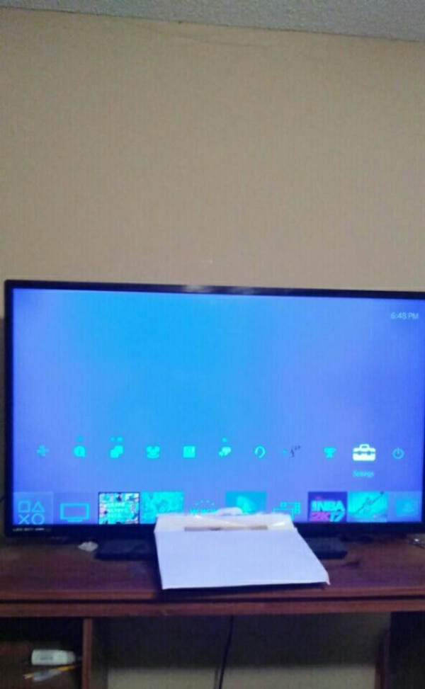 42 inch Led Smart tv Excellent Condition Make offe