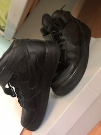 BLACK AIR FORCE 1S  Kitchener, N2E 1E3