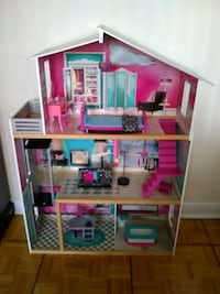 Life size doll house by KidKraft (age 3+) Toronto, M5P 3N3