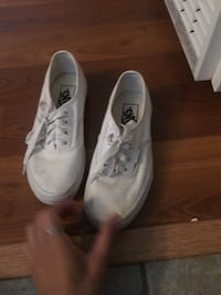 pair of white low-top sneakers Lancaster, 93536