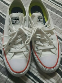 pair of white-and-red Converse sneakers Brampton, L6R 1S3