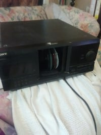 Sony 200 disk CD player Louisville, 40205