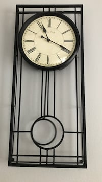Black and white metal wall clock Mc Lean, 22102