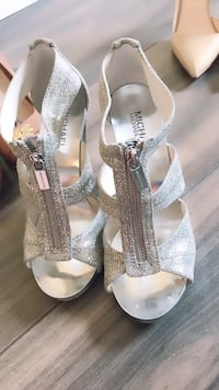 pair of gray open toe ankle strap heels Port Coquitlam, V3B 1H2