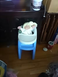 cabbage patch doll and highchair Maryland, 21226