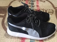 pair of black-and-white Nike sneakers Barrie, L4N 5G8