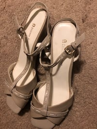 Etienne Aigner wedge sandals, never worn sz 8 Washington, 20012