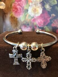 Pretty! Silver Bracelet with Crosses  Gainesville, 20155