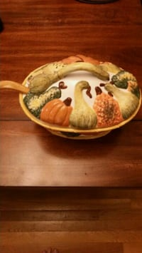 Soup Tureen - 2 quart Olney, 20832