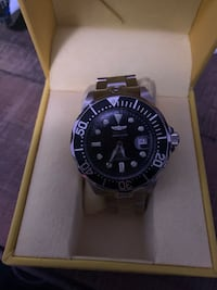 Invicta grand diver watch and winding case and Bose speaker