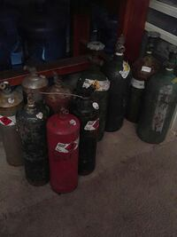Oxygen and settling $25 each  Agoura Hills, 91301
