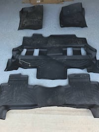 black and gray car mats Springfield, 22152
