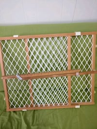 baby or pet gate New Westminster, V3L 1X8