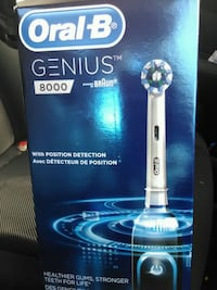 Oral-B Genius 8000 Rechargeable Toothbrush