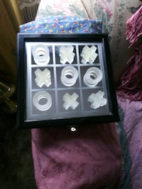 Display case tic tac toe glass with case