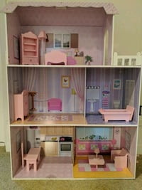 Doll house  Bothell, 98011