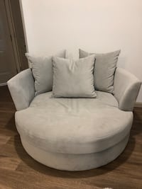 Cuddler swivel chair   Sarasota, 34243