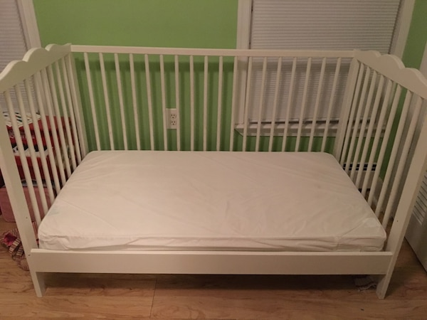 IKEA convertible crib & toddler bed  0