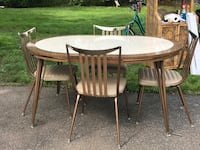 Gorgeous 1950s table and 4 chair set Meriden, 06450
