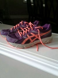 Running shoes size 5 554 km
