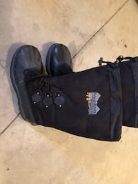 New men's size 11 winter boots Lake Country