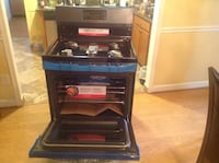 FRIGIDAIRE GALLERY Black Stainless Steel Self clean Gas Range new  (Chantilly, va) Chantilly, 20598