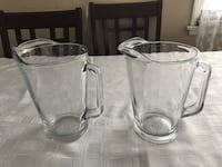Pair of glass water pitchers Norwalk, 90650