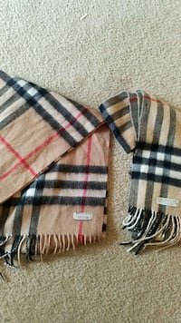 His and hers burryberry scarfs Knoxville, 37919