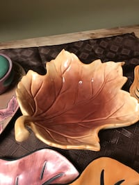 Leaf serving dish