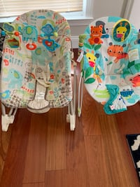 2 Baby bouncing chairs, bouncer Ashburn