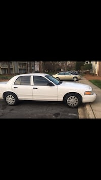 Ford - Crown Victoria - 2009 Charlotte, 28262