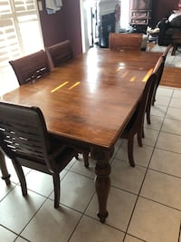 Solid mango wood dining table and 6 chairs Markham, L6E 1E5