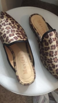 pair of leopard print slip-on shoes Alexandria, 22310