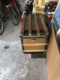 Brown and black tool chest Chambly, J3L
