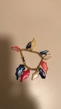 Bright color shell bracelet  Voorhees, 08043