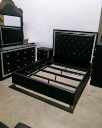 Black/Silver 4PC Queen Bedroom Set $40 Dn! 530 mi