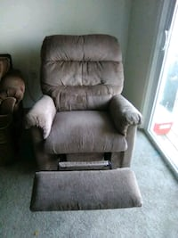 brown suede recliner sofa chair Rockville, 20850
