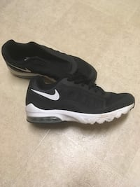 pair of black-and-white Nike running shoes Vallejo, 94590
