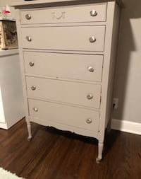Gray painted dresser - needs to be repainted  Minneapolis, 55418