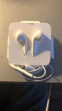 Brand new earpods, iPhone 7/8 compatible Clichy, 75017