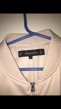 bought for over 60$ selling for 15$ zara bomber style jacket Surrey, V4A