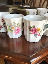 white-and-pink floral ceramic mugs Beaconsfield, H9W