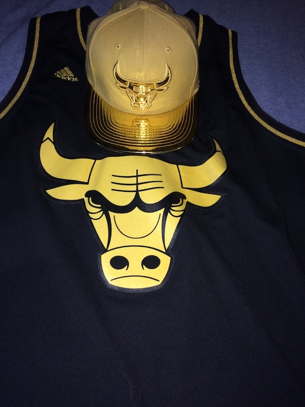 more photos d8779 9d423 Gold chicago bulls snapback and Limited Edition Gold/Black Derrick Rose  jersey