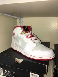 unpaired white and red Air Jordan 3 shoe Toronto, M1R