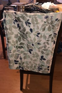 Fabric Leaf Shower Curtain in great condition