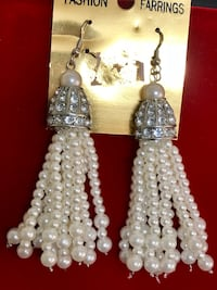 Brand new beautiful earrings  Jersey City, 07305