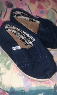 Size 6 Toms for toddler