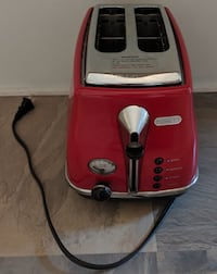 DeLonghi Icona Toaster – AS NEW Toronto