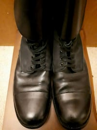 pair of black leather dress shoes Vancouver, V6P 5A1
