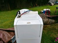 white front-load clothes washer Taylor, 48180